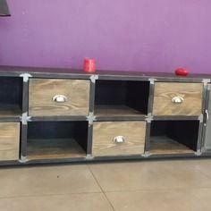 Table basse so british meubles et rangements par funkyshop co - Meuble bas industriel ...