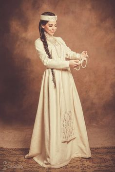 All brides think of having the most suitable wedding, but for this they need the ideal bridal dress, with the bridesmaid's outfits enhancing the brides dress. These are a number of suggestions on wedding dresses. Ideas For A Wedding. Traditional Wedding Dresses, Traditional Outfits, Armenian Wedding, Armenian Culture, Culture Clothing, Folk Costume, Bridal Dresses, Bridal Gown, Wedding Destinations