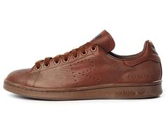 Adidas Stan Smith x Raf Simons. Brown Leather Sneakers, Sneakers Adidas, Shoes Sneakers, Adidas Stan Smith, Raf Simons, Winter Collection, Shoe Collection, Sneakers Fashion, Casual Shoes