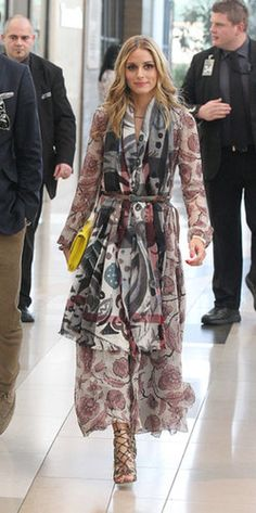Olivia proved that she could take the look directly from the catwalk and totally make it work. Source: Burberry