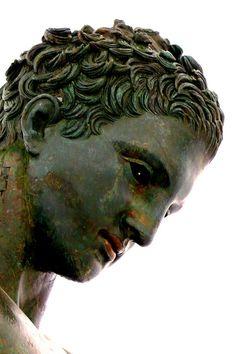 Ancient | Greek sculpture. www.decorarconarte.com