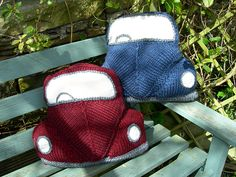 PDF Knitting Pattern for a Bug Bag by SnuginaDub on Etsy Knitted Cushion Pattern, Knitted Cushions, Pdf Sewing Patterns, Knitting Patterns, Crochet Patterns, Crochet Ideas, Knitting Yarn, Baby Knitting, Summer Knitting