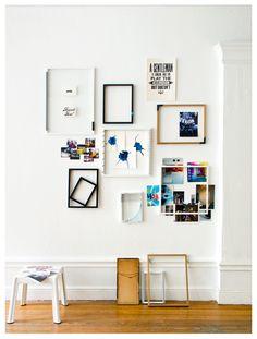 montagem de quadros decorativos na parede