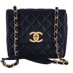 Pre-Owned Chanel Black Vintage Caviar Square Quilted Classic Flap Bag (22,235 GTQ) ❤ liked on Polyvore featuring bags, handbags, black, preowned handbags, quilted chain purse, vintage purses, chain strap handbags and chain purse