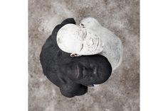 Cobertos de cinza e fotografados a preto e branco | P3