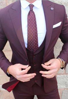 New Burgundy Groom Wear Tuxedos 3 Pieces Wedding Suits for men Best Groomsmen wear(Jacket+Pants+vest) Formal Business Mens Suits. Maroon Suit, Burgundy Suit, Blue Suit Men, Green Suit, Best Suits For Men, Cool Suits, Suit For Men, Suit Styles For Men, Mens Fashion Suits