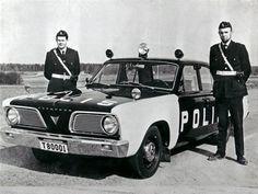 Plymouth Valiant V-100 '1966 http://lansmans.forum24.se/lansmans-about48.html