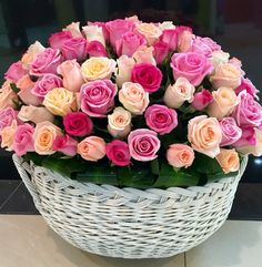 Beautiful Rose Flowers, Pink Rose Flower, Beautiful Flowers, Best Roses, Valentine Baskets, Corporate Flowers, Happy Birthday Gifts, Colorful Roses, Unusual Plants
