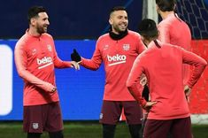 Barcelona's Argentinian forward Lionel Messi jokes with Barcelona's Spanish defender Jordi Alba during a training session on November 2018 at San Siro stadium, on the eve of the UEFA Champions. Paul Pogba, Lionel Messi, Fc Barcelona, Leo, Football, Baseball Cards, Sports, Soccer, Hs Sports