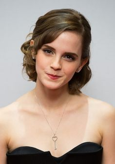 Aww love her cute heart necklace.