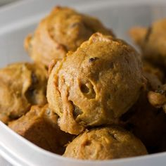 How to make persimmon cookies from scratch using ripe persimmons, cinnamon, walnuts and raisins. These classic cookies combine all the best flavors of fall. Persimmon Bread, Persimmon Recipes, Persimmon Cookies Recipe Easy, Baking Recipes, Cookie Recipes, Dessert Recipes, Bread Recipes, Crockpot Recipes, Just Desserts