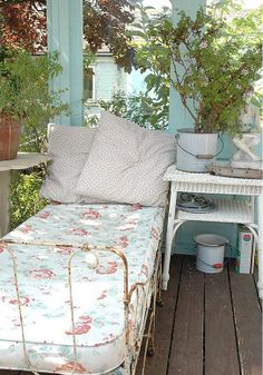 Summer Day Bed