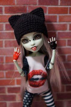 custom ooak MH doll by Precsilla Monster High Birthday, Monster High Party, Custom Monster High Dolls, Monster High Repaint, Custom Dolls, Pretty Dolls, Beautiful Dolls, Ooak Dolls, Art Dolls