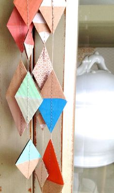 simple diy cardboard garland made from scraps. turn it into a fun craft for toddlers and preschoolers and let them paint the pieces. Fun Crafts, Diy And Crafts, Arts And Crafts, Etsy Crafts, Decor Crafts, Cardboard Crafts, Paper Crafts, Cardboard Boxes, Diy Projects To Try