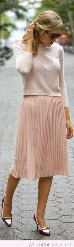 Soft colors and textures make this a perfect Friday casual outfit Pale Pink, Work Outfit, Pleated Skirt, Cashmere Outfit Nyc Fashion, Work Fashion, Modest Fashion, Fashion Beauty, Autumn Fashion, Womens Fashion, Style Fashion, Fashion Weeks, Spring Fashion