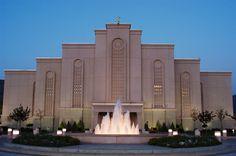 Albuquerque New Mexico LDS Mormon Temple Photographs Page Mormon Temples, Lds Temples, Lds Art, Lds Church, Church Ideas, Albuquerque News, Lds Mormon, Latter Day Saints, Roman Catholic