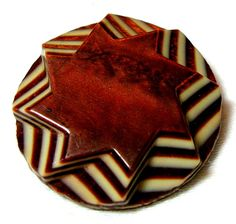 OUTSTANDING 1930'S FRENCH 9 LAYER BROWN & IVORY CELLULOID STAR BUTTON