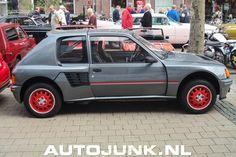Prachtige Peugeot die als homologatie model diende voor de Group B rally's. 200 zijn er gebouwd; met vierwielaandrijving een midden-motor