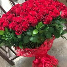 Love Flowers, My Flower, Wedding Flowers, Valentines Gifts For Boyfriend, Valentine Gifts, Valentine Baskets, Red Rose Bouquet, Allah Wallpaper, Beautiful Red Roses
