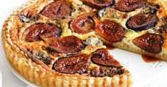 This is a great dish to prepare for a group in a flash. The caramelised fig, blue cheese, and balsamic vinegar work beautifully together, while the store-bought pastry eliminates fuss. Fig Recipes, Quiche Recipes, Tart Recipes, Baking Recipes, Cheese Scones, Cheese Quiche, Cheese Tarts, Pie
