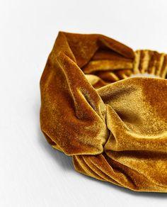 Image 2 of VELVET TURBAN HAIRBAND from Zara