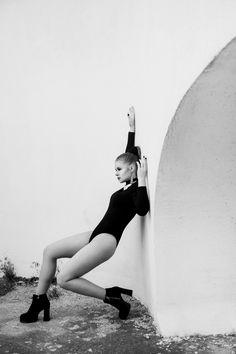 Кто хочет лаконичных черно белых фотографий - записывайтесь на фотосессию. #mostudio #juliamo#photography #ЮляМо #фотосессия #черкассыфотограф