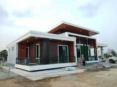 Simple Bungalow House Designs, Small House Design, Simple House, Modern House Design, Modern Bungalow Exterior, Small House Exteriors, Philippines House Design, One Storey House, Modern Minimalist House