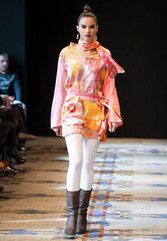 Ruth de la Puerta en la Valencia Fashion Week.スペインのファッションデザイナーの出展。