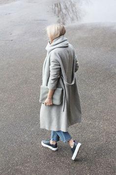 Sneakers bij dit outfit. Nice!!