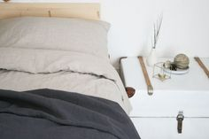 Farbdoktor DIY Leinenbettwäsche ´Natürliche Materialien wie Holz, Leinen und Wolle sind in der Welt des Wohnens wieder mehr und mehr im Trend. Zu Recht wie ich finde. Stücke aus Naturstoffen werten den Wohnraum auf und bringen Wärme und Gemütlichkeit in die eigenen vier Wände.