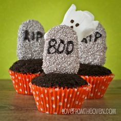 Graveyard Cupcakes by Love From The Oven