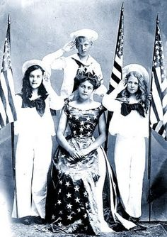 The Vintage Housewife: Im a Yankee Doodle Dandy! Happy 4th!