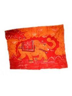 Lienzo decorativo con motivos budistas confeccionado en tela de hilo de algodón 100 %. Pintado a mano. Medidas: 120 x 82 cm.  - La Taza Solidaria