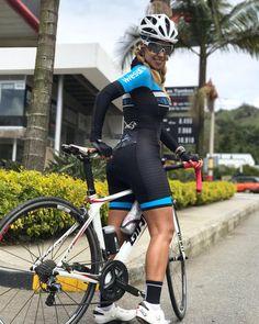 "305 mentions J'aime, 7 commentaires - Lina Duque (@linaduqueza) sur Instagram: ""71km rodada @a_biela ❤️❤️❤️ nuevo uniforme #ciclista @safetti @cycling.fans @stravacycling…"""