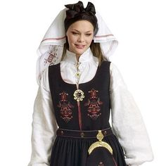 Norwegian girl in traditional folk costume How To Look Pretty, How To Look Better, Folk Costume, Costumes, How To Wear Rings, Historical Clothing, Online Dating, Norway, Retro Fashion