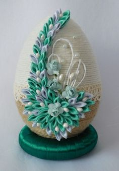 Easter Bunny, Easter Eggs, Faberge Eggs, Origami Art, Egg Decorating, Egg Shells, Easter Recipes, Snow Globes, Creations