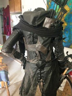 """lorca-the-great: """"After not winning anything at the cosplay pagent at (bullshit) I undertook the task of putting my Garrett cosplay on my mannequin. So HERE have some epic detail shots! Costume Steampunk, Style Steampunk, Steampunk Fashion, Cool Costumes, Cosplay Costumes, Halloween Costumes, Moda Formal, Leather Armor, Fantasy Costumes"""