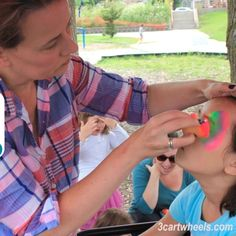 So how do you get started as a professional face painter? That's a question I'm asked often at events. Face Painting Supplies, Face Painting Tips, Places To Volunteer, Black Face Paint, Opening A Business, How To Become, How To Get, Company Picnic, Job Posting