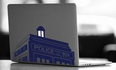 Tardis Doctor Who Vinyl Decal  Doctor Who Decal  di CRTdecals, $14.99