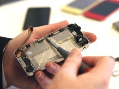 How To Repair A Broken iPhone Screen