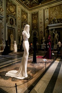 """""""Couture/Sculpture: Azzedine Alaïa in the History of Fashion"""", Galleria Borghese, Rome Photography by Betty Sze Fashion Photography Inspiration, Style Inspiration, Rome Photography, Azzedine Alaia, Couture Week, Beautiful Gowns, World Of Fashion, Woman Fashion, High Fashion"""