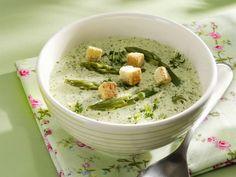 Grüne Spargelsuppe mit Kräutern|eatsmarter.de #rezepte #suppe #spargel #frühling
