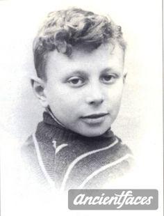 Paul Boruchowiz Nationality : Jewish  Residence :  Paris, France  Death :  August 19, 1942  Cause : Murdered in Auschwitz ( buried in Auschwitz death camp )  Age : 10 years