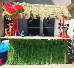 DIY tiki bar made from pallets!