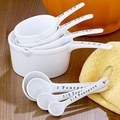 Conversione dei pesi americani Spesso la conversione dei pesi americani da cups in grammi, che si trovano nelle ricette straniere sono un problema perchè ..