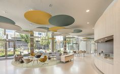 International Investment Bank Offices – Paris – Office Snapshots Best Picture For piggy Banking For Your Taste You are looking Office Interior Design, Office Interiors, Investment Bank, Banks Office, Design Commercial, Modular Lounges, Clinic Design, Design Department, Co Working