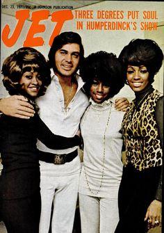 Jet magazine, December 23, 1971 — Engelbert Humperdinck with The Three Degrees