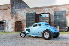 Gas Monkey Garage Teams With Bass Kustom for a Hemi-Powered, Drag-Inspired Ford. Cool Old Cars, Old Race Cars, Us Cars, Custom Muscle Cars, Chevy Muscle Cars, Detroit Steel, Old Hot Rods, Gas Monkey Garage, Model Hobbies