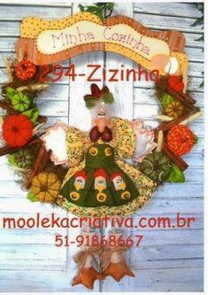 Como fazer um coelhinho da pascoa passo a passo + MOLDE grátis para imprimir - Criatividade Diy Wreath, Wreaths, Felt Crafts, Diy Crafts, Felt Snowman, Crochet Animals, Softies, Art Dolls, Rooster