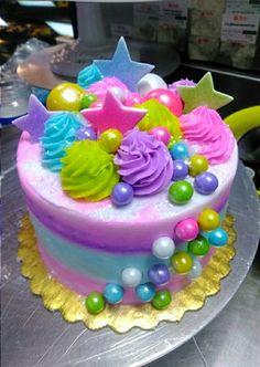 Gâteau d& Bubble Gum - Kochen&Backen - Creative Cake Decorating, Creative Cakes, Pretty Cakes, Cute Cakes, Bubble Cake, Bubble Gum Cupcakes, Pear Cake, Summer Cakes, Birthday Cake Girls